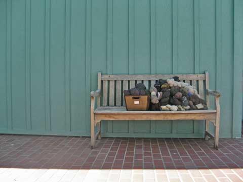 bench_480